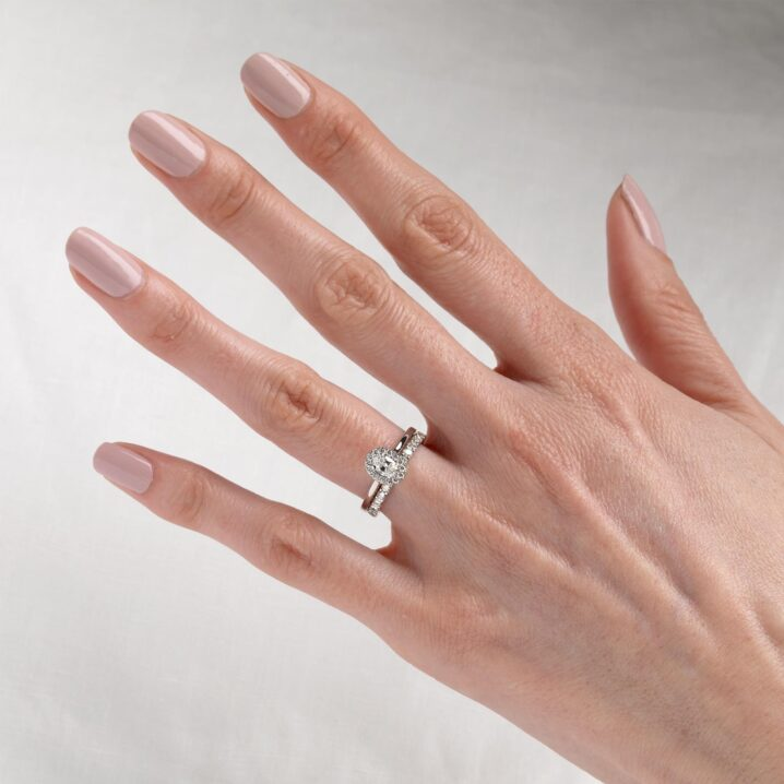 oval nails for rings with oval stones